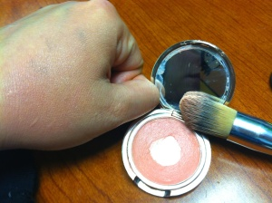 cream-blush-josie-swatch