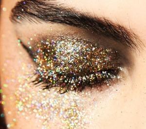 eye-gold-glitter